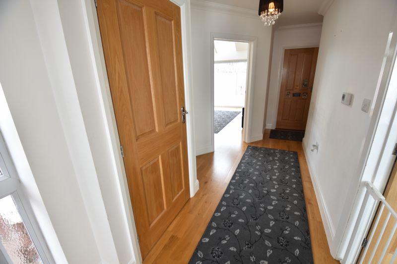 3 bedroom Bungalow to buy in Poplar Avenue, Luton - Photo 20