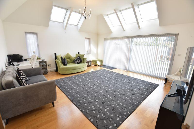 3 bedroom Bungalow to buy in Poplar Avenue, Luton - Photo 22