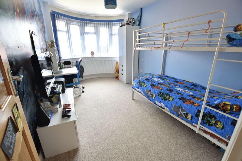 3 bedroom Bungalow to buy in Poplar Avenue, Luton - Photo 23