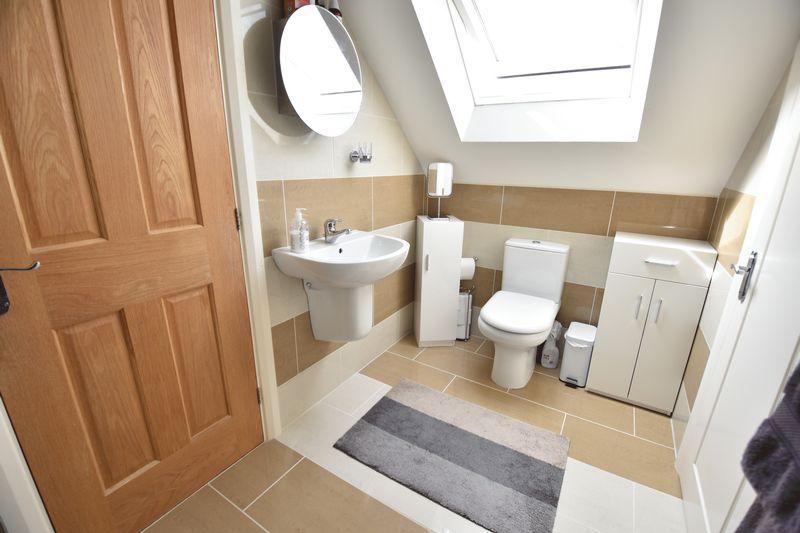 3 bedroom Bungalow to buy in Poplar Avenue, Luton - Photo 25