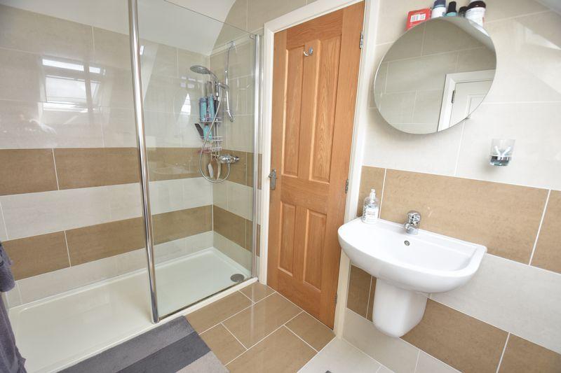 3 bedroom Bungalow to buy in Poplar Avenue, Luton - Photo 26