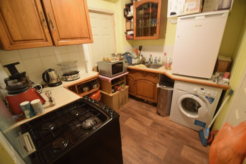 1 bedroom Flat to rent in Old Bedford Road, Luton - Photo 6