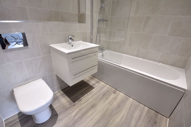 2 bedroom Flat to rent in 48 Crawley Green Road, Luton - Photo 9