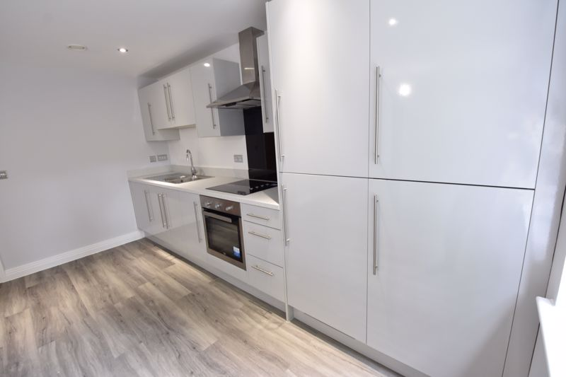 2 bedroom Flat to rent in 48 Crawley Green Road, Luton - Photo 11