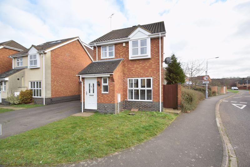 3 bedroom Detached  to buy in Wiseman Close, Luton