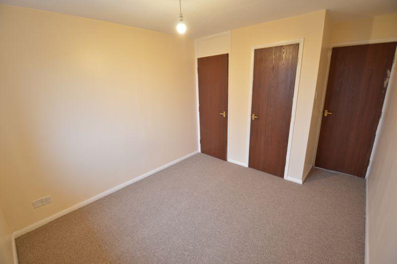 2 bedroom Flat to buy in Waldeck Road, Luton - Photo 5