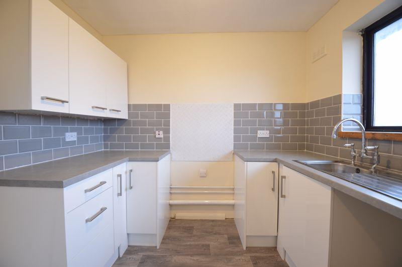 2 bedroom Flat to buy in Waldeck Road, Luton - Photo 9