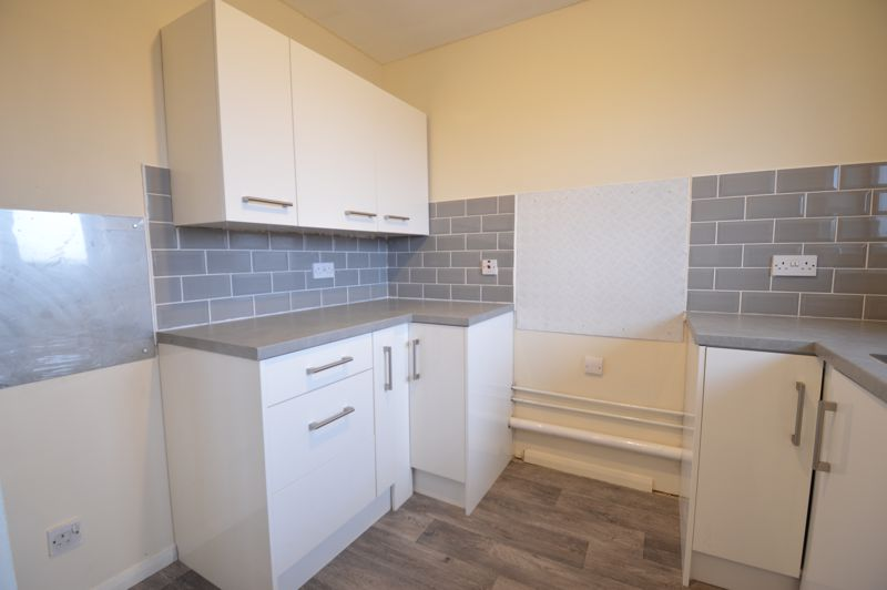 2 bedroom Flat to buy in Waldeck Road, Luton - Photo 10
