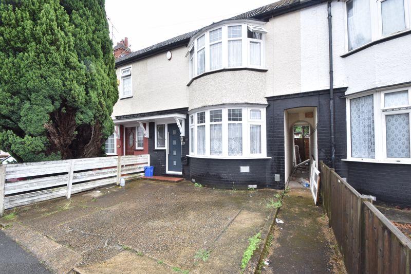 2 bedroom Mid Terrace to buy in Maryport Road, Luton