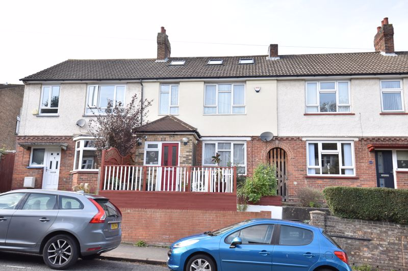4 bedroom Mid Terrace to buy in Farley Hill, Luton
