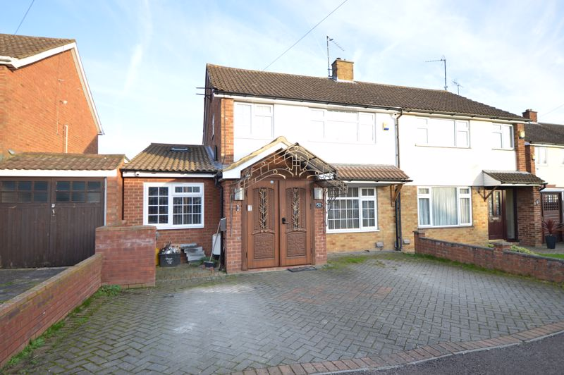 4 bedroom Semi-Detached  to buy in Bosmore Road, Luton