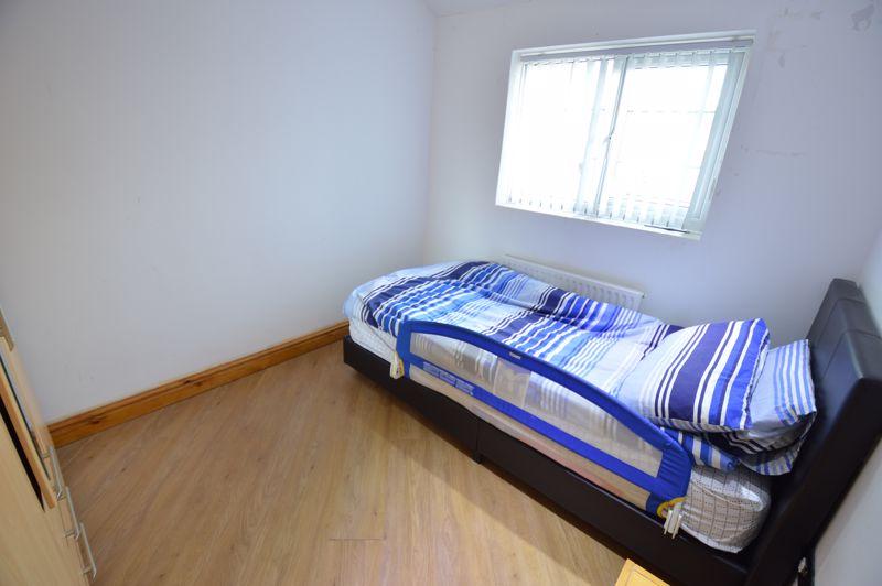 4 bedroom Semi-Detached  to buy in Bosmore Road, Luton - Photo 9