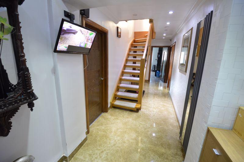 4 bedroom Semi-Detached  to buy in Bosmore Road, Luton - Photo 10
