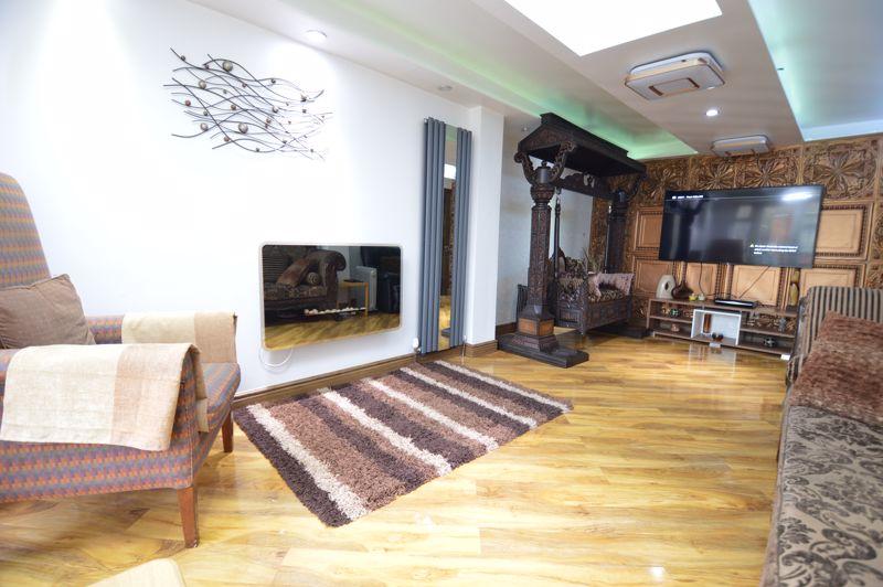 4 bedroom Semi-Detached  to buy in Bosmore Road, Luton - Photo 14