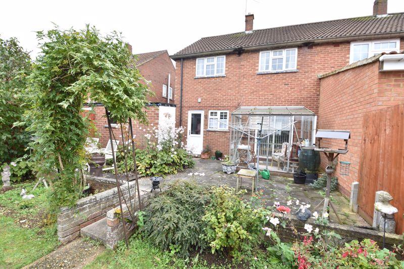 3 bedroom Semi-Detached  to buy in Birdsfoot Lane, Luton - Photo 14