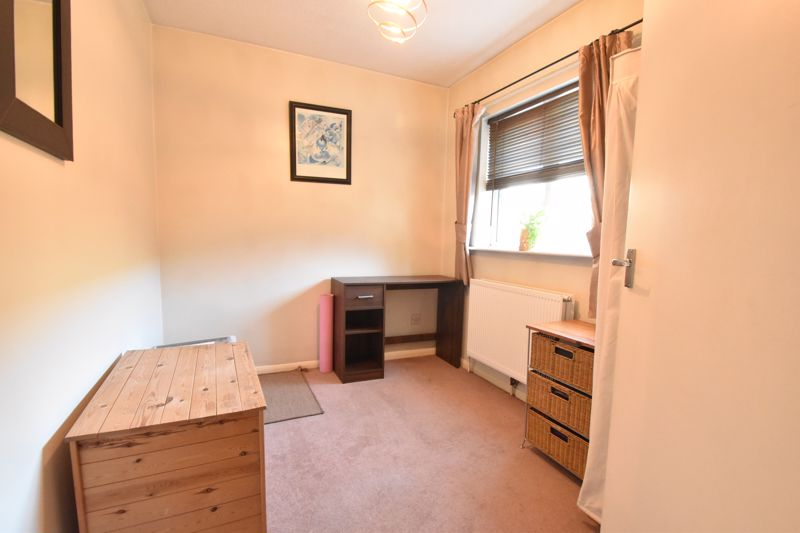 2 bedroom Flat to buy in Browning Road, Luton - Photo 1