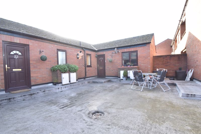 2 bedroom Flat to buy in Browning Road, Luton - Photo 5