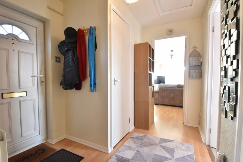 2 bedroom Flat to buy in Browning Road, Luton - Photo 9