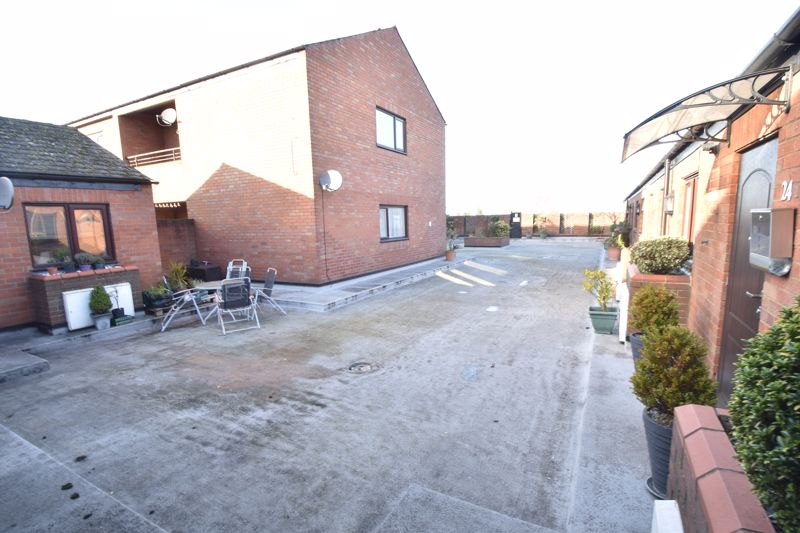 2 bedroom Flat to buy in Browning Road, Luton - Photo 11