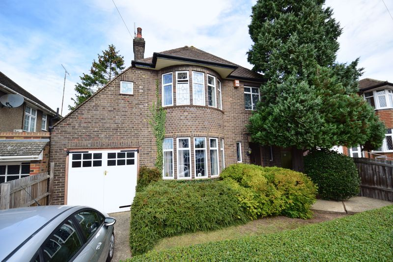 3 bedroom Detached  to buy in Kingsdown Avenue, Luton