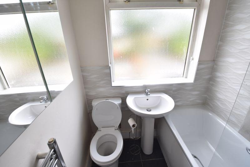 2 bedroom Semi-Detached  to buy in Third Avenue, Luton - Photo 16
