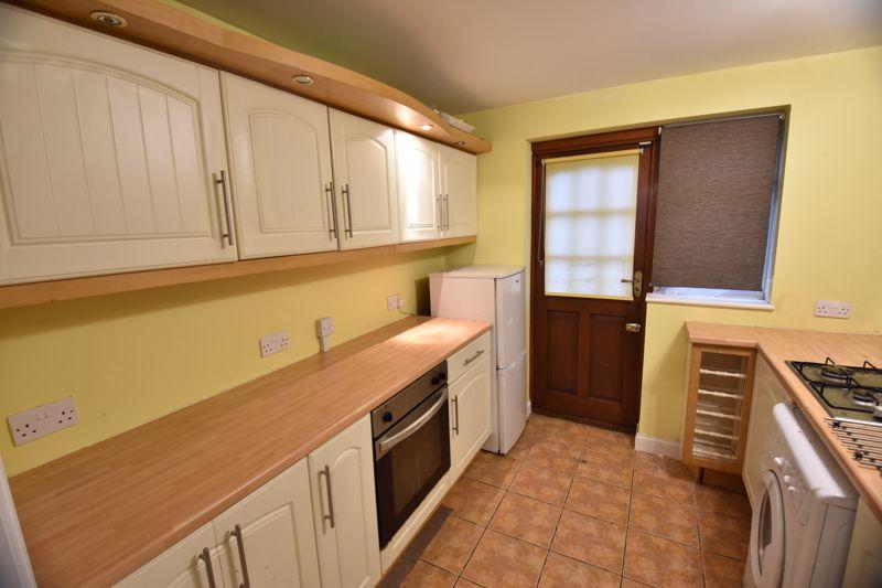 2 bedroom Semi-Detached  to buy in Third Avenue, Luton - Photo 1