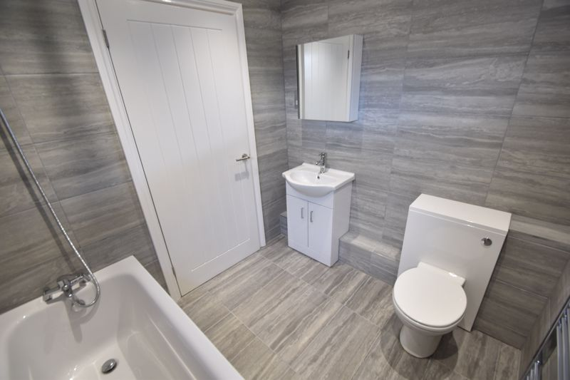 2 bedroom Flat to rent in King Street, Luton - Photo 2
