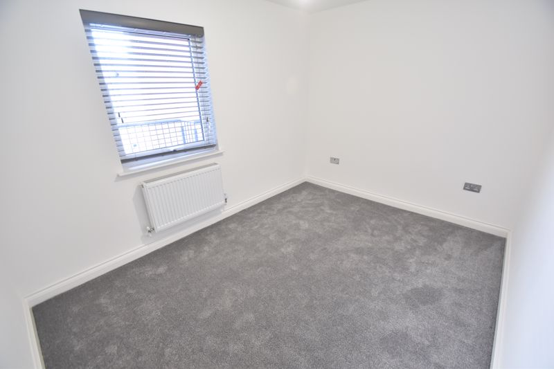 2 bedroom Flat to rent in King Street, Luton - Photo 3