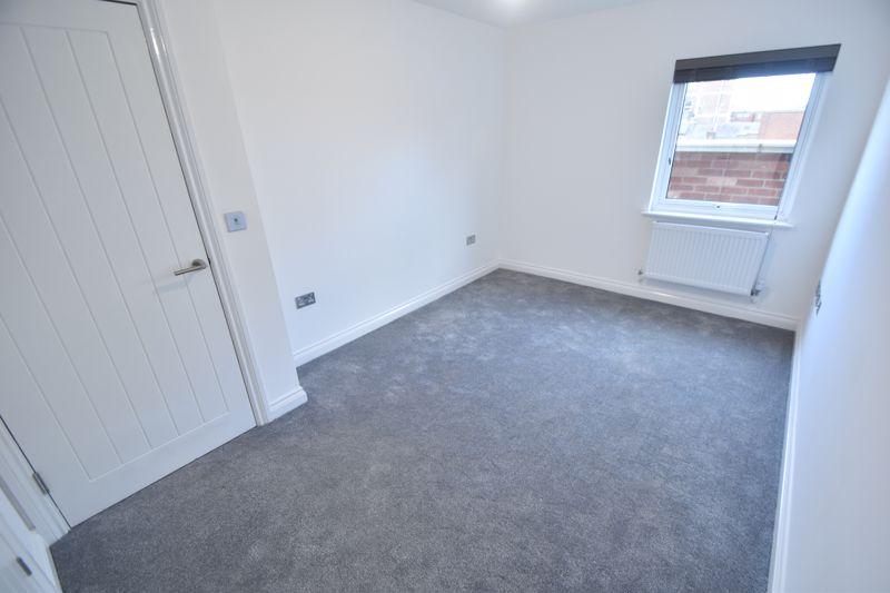 2 bedroom Flat to rent in King Street, Luton - Photo 4