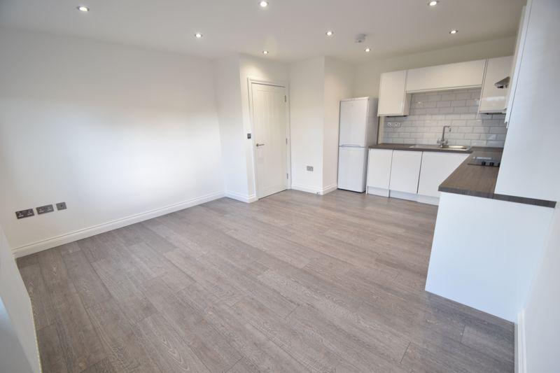 2 bedroom Flat to rent in King Street, Luton - Photo 8