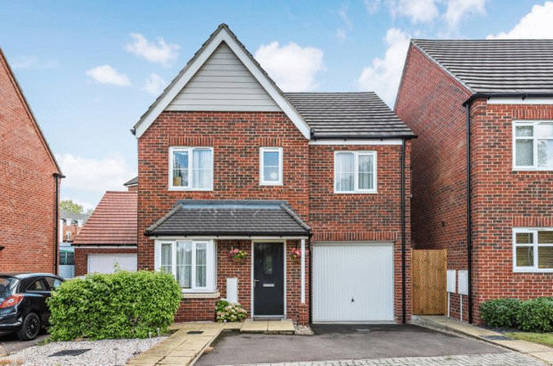 4 bedroom Detached  to buy in Fieldstone, Dunstable