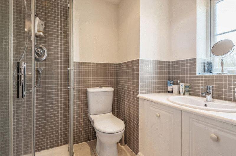 4 bedroom Detached  to buy in Fieldstone, Dunstable - Photo 9
