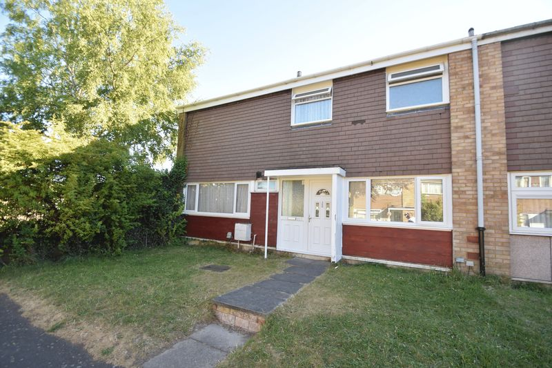 3 bedroom Semi-Detached  to buy in Thrales Close, Luton