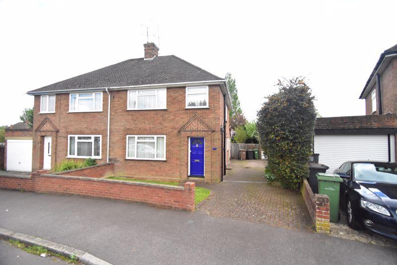 3 bedroom Semi-Detached  to buy in Rosslyn Crescent, Luton