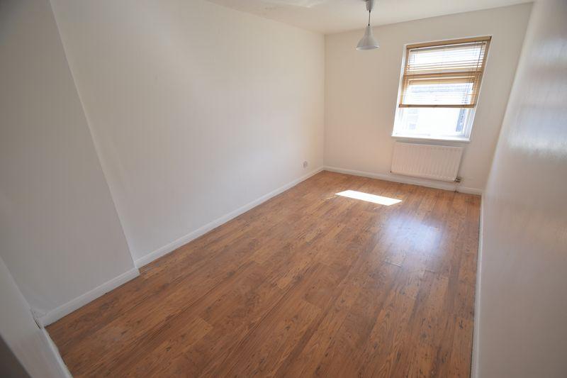 1 bedroom Flat to rent in Wellington Street, Luton - Photo 4