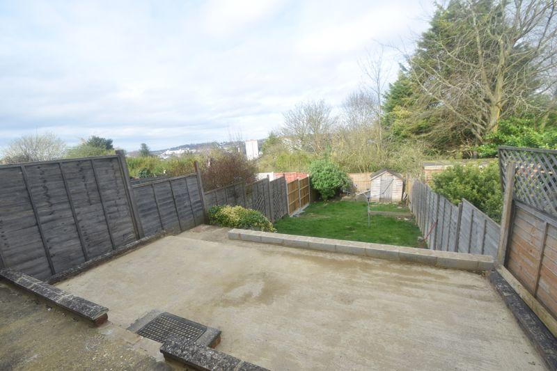 2 bedroom Semi-Detached  to rent in Cowper Street, Luton - Photo 3