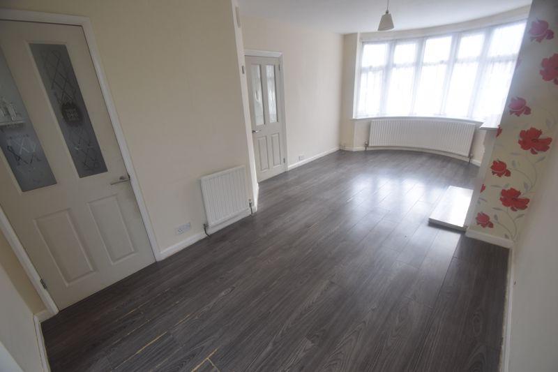2 bedroom Semi-Detached  to rent in Cowper Street, Luton - Photo 5
