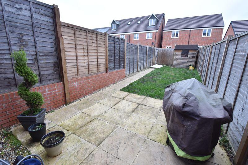 3 bedroom  to buy in Guardian Way, Luton - Photo 3