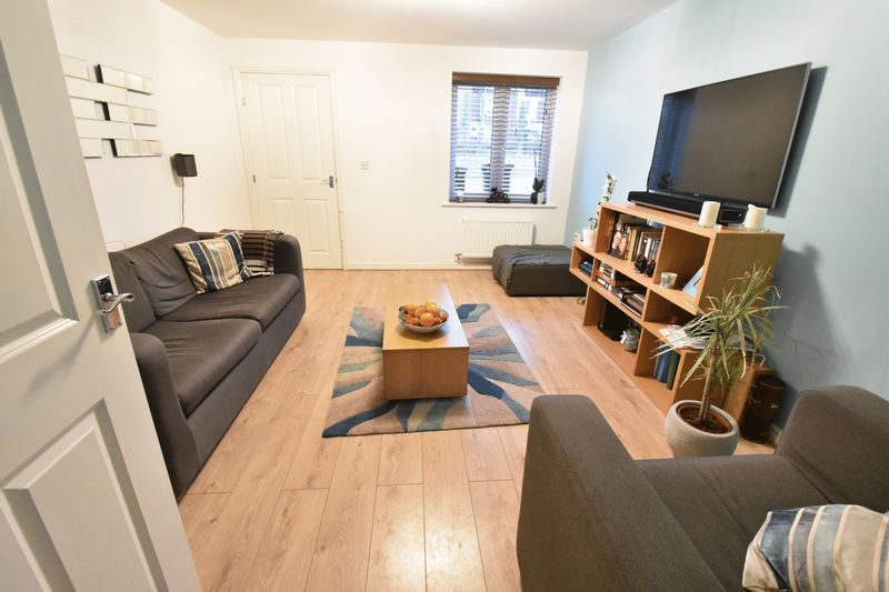 3 bedroom  to buy in Guardian Way, Luton - Photo 5