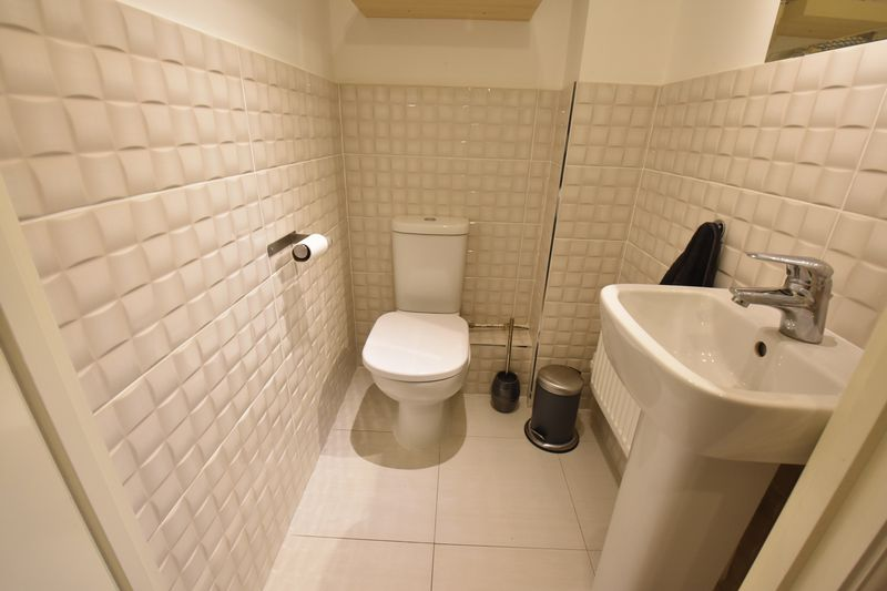 3 bedroom  to buy in Guardian Way, Luton - Photo 8