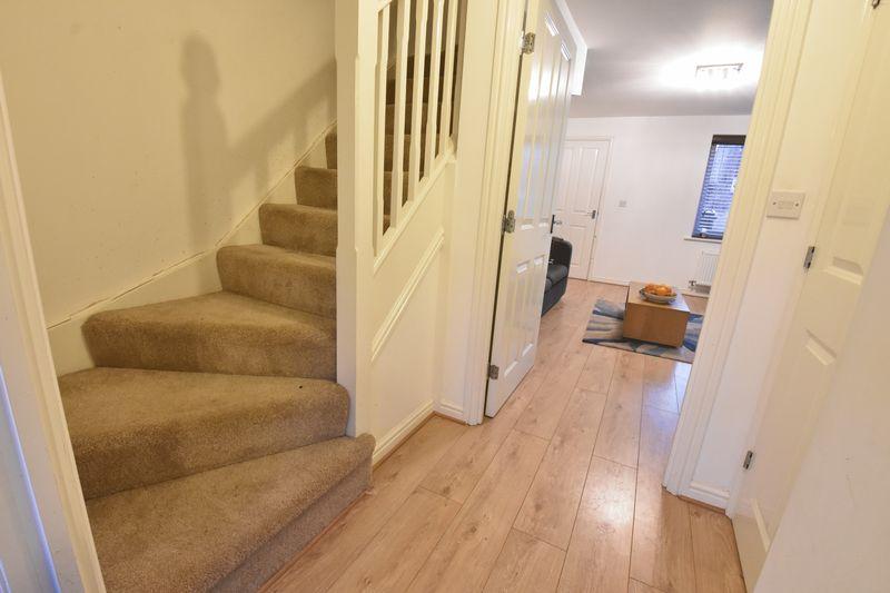 3 bedroom  to buy in Guardian Way, Luton - Photo 9