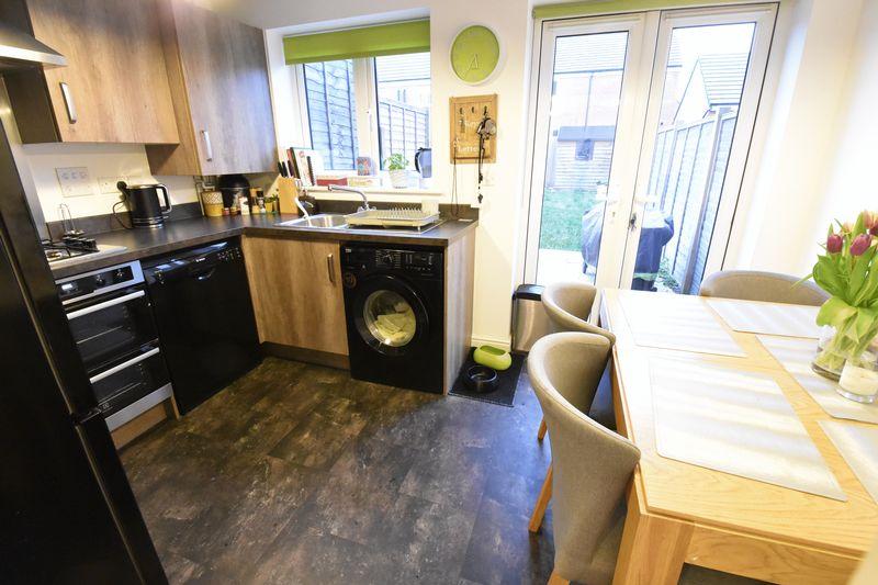 3 bedroom  to buy in Guardian Way, Luton - Photo 12