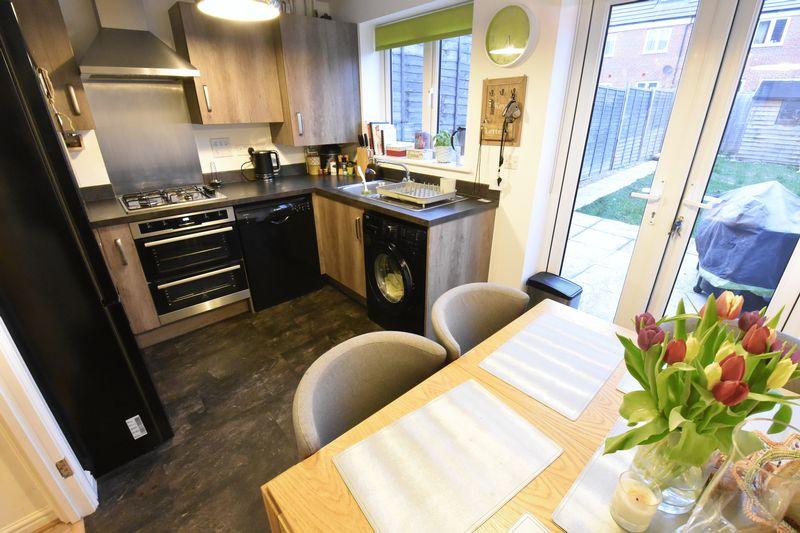 3 bedroom  to buy in Guardian Way, Luton - Photo 13