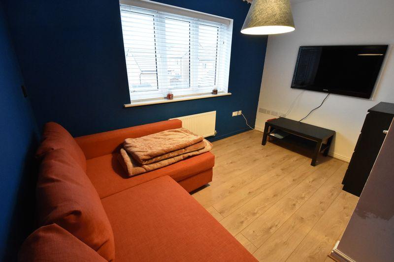 3 bedroom  to buy in Guardian Way, Luton - Photo 16