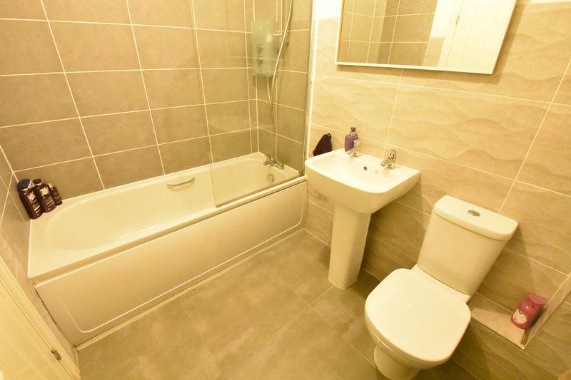 3 bedroom  to buy in Guardian Way, Luton - Photo 22