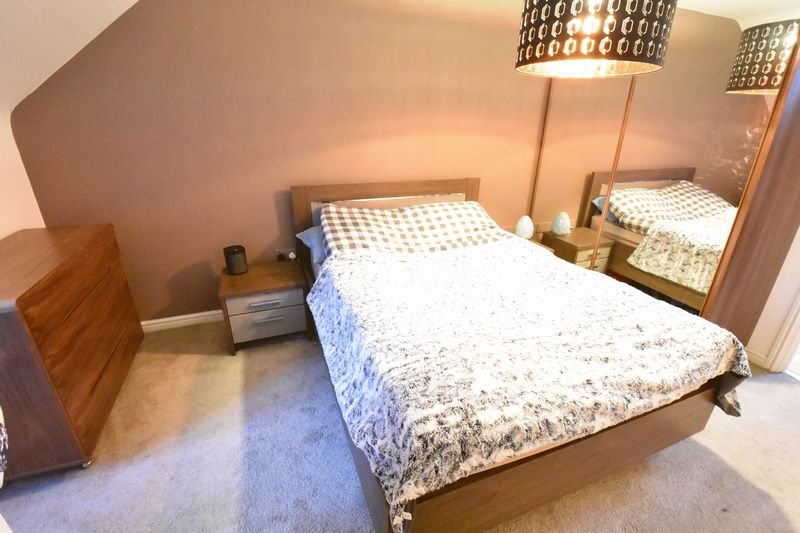 3 bedroom  to buy in Guardian Way, Luton - Photo 18