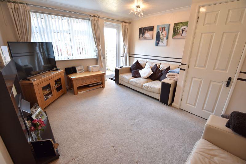 2 bedroom  to buy in Telscombe Way, Luton - Photo 3