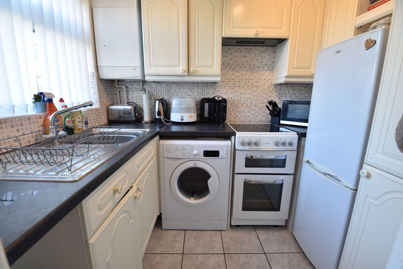 2 bedroom  to buy in Telscombe Way, Luton - Photo 4