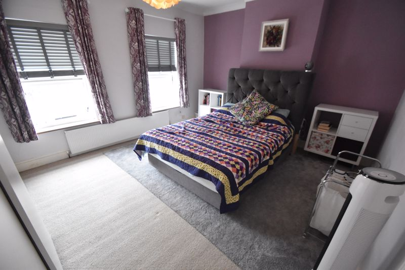 3 bedroom Mid Terrace to buy in Gardenia Avenue, Luton - Photo 6