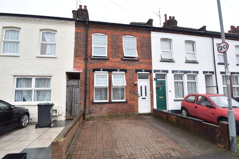 3 bedroom Mid Terrace to buy in Gardenia Avenue, Luton